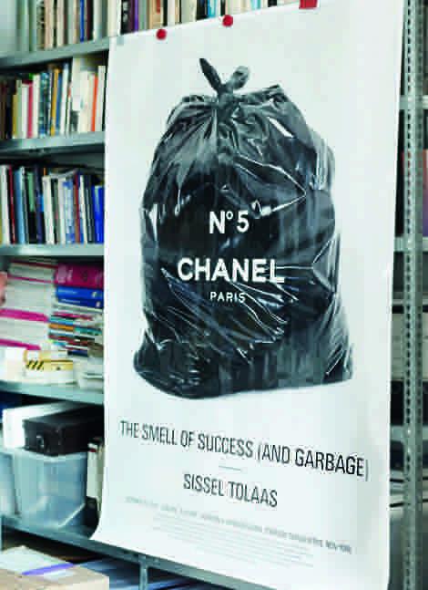 Plakat im Office von Sissel Tolaas; Foto: Christian Schwarzenberg
